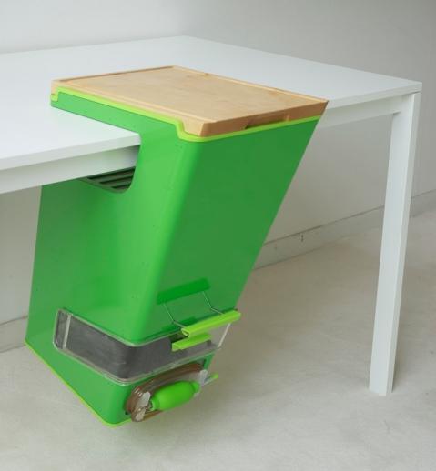 Komposter-Schrägansicht-1
